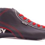 Viking から 初心者、ジュニア向けの靴が新発売